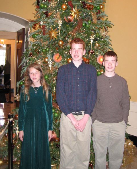 Emma Katherine Roey, Derek McCravy, and Johnathan McCravy on a field trip to the Governor's Mansion in Atlanta.